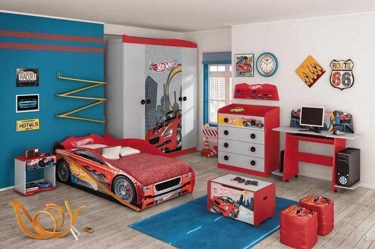 quarto infantil com tema de carros