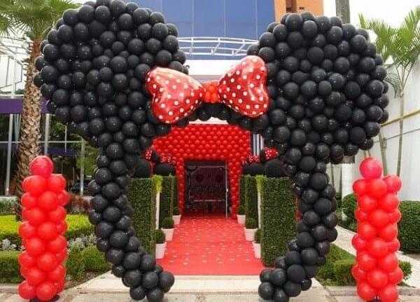 Arco de balões para festa da Minnie