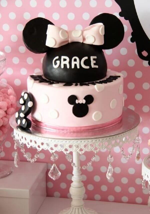 Bolo para festa da Minnie nas cores preto e rosa