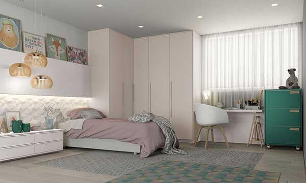 Cor lilás em quarto com tons rosa e base neutra