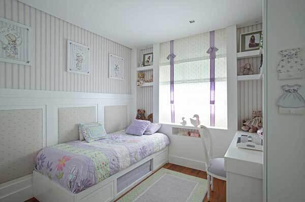 Cor lilás em quarto infantil