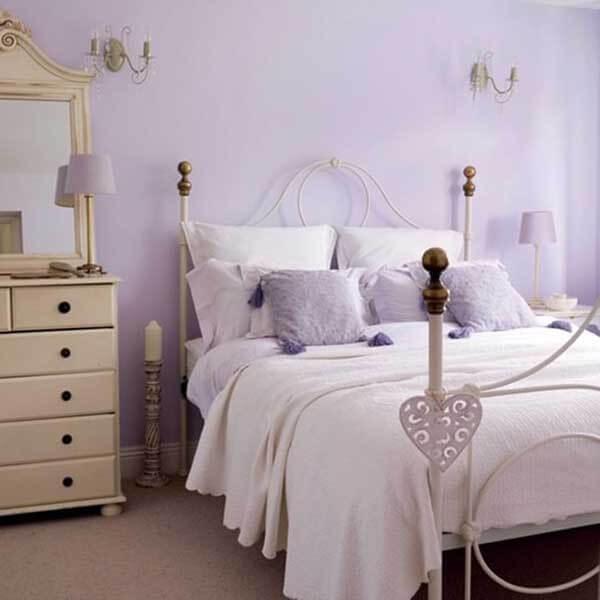 Cor lilás em quarto