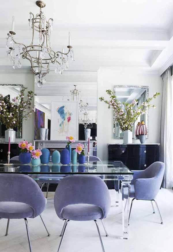 Cor lilás na sala de jantar