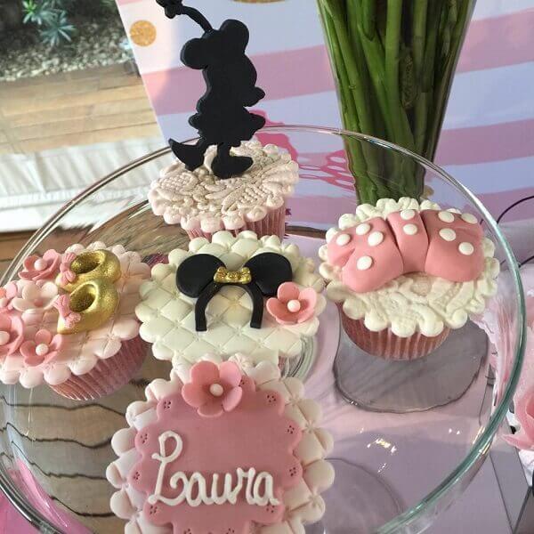 Cup cake super elaborado para a mesa do bolo