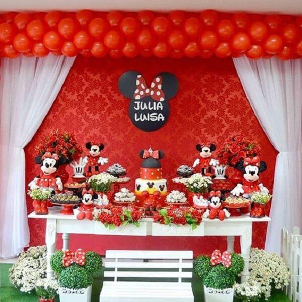 Decoração de mesa para festa da Minnie vermelha