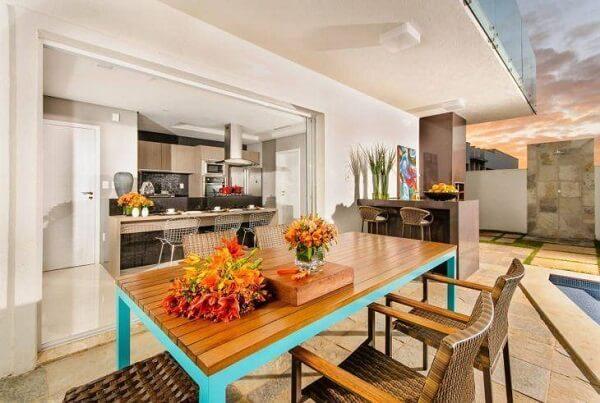 Edícula com churrasqueira integrada com a casa