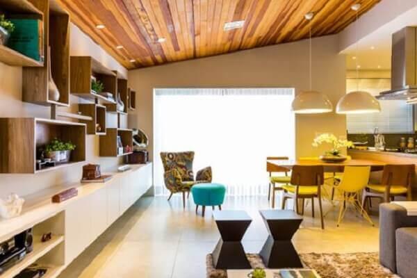 Forro de madeira cedrinho em casa