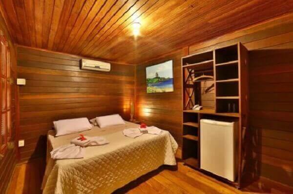 Forro de madeira em apartamento de madeira