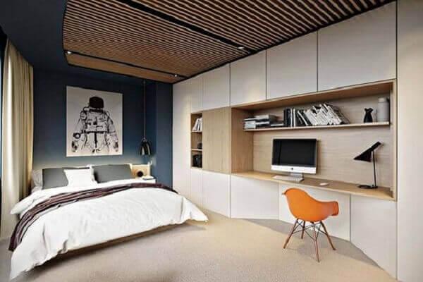 Forro de madeira no quarto