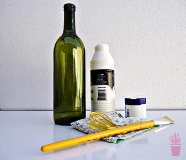 Materiais para artesanato com garrafa de vidro e tecido