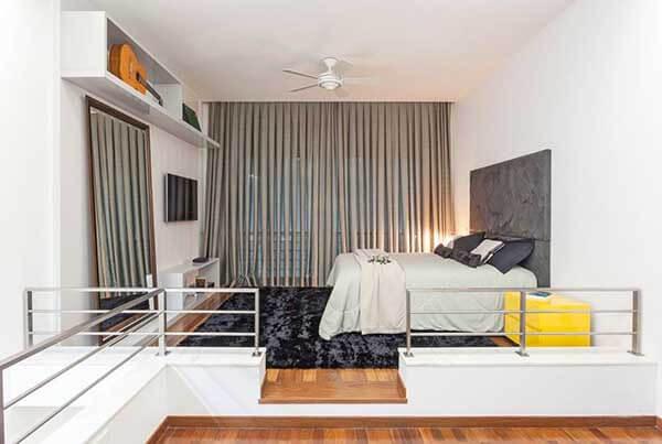 Modelos de cortinas para quarto de casal com cama branca
