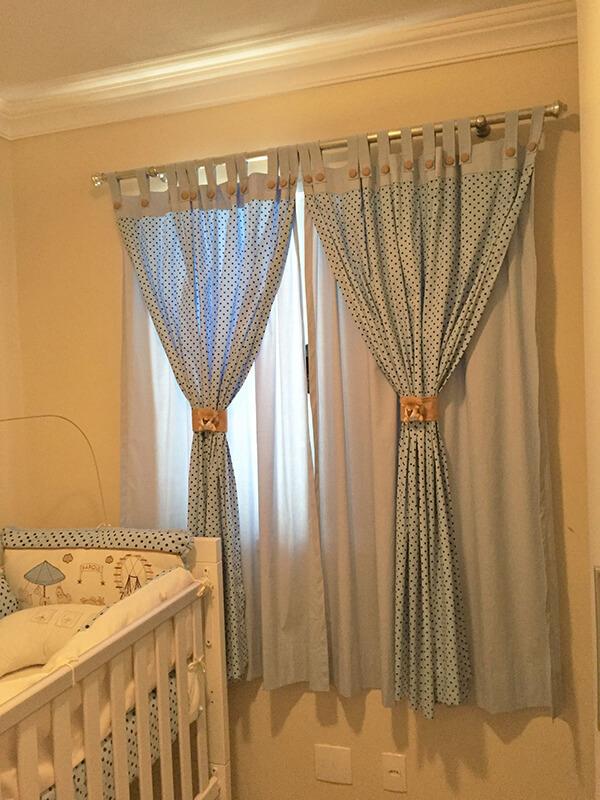 Modelos de cortinas poá azul