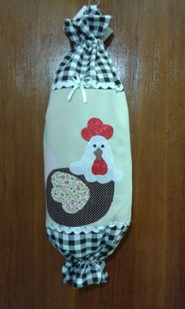 Puxa saco de tecido xadrez com aplique de galinha