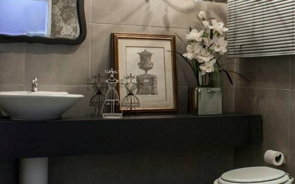 Quadros podem ser utilizados como enfeites para bancada de banheiro
