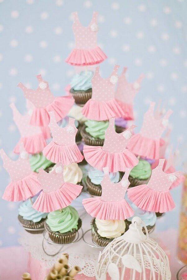 cupcakes personalizados com vestidinhos para festa da bailarina Foto Pinterest