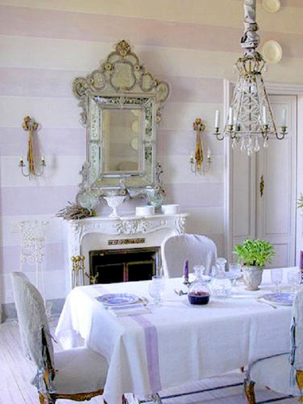decoração clássica para sala de jantar toda branca com espelho provençal Foto Flor de Laranjeira