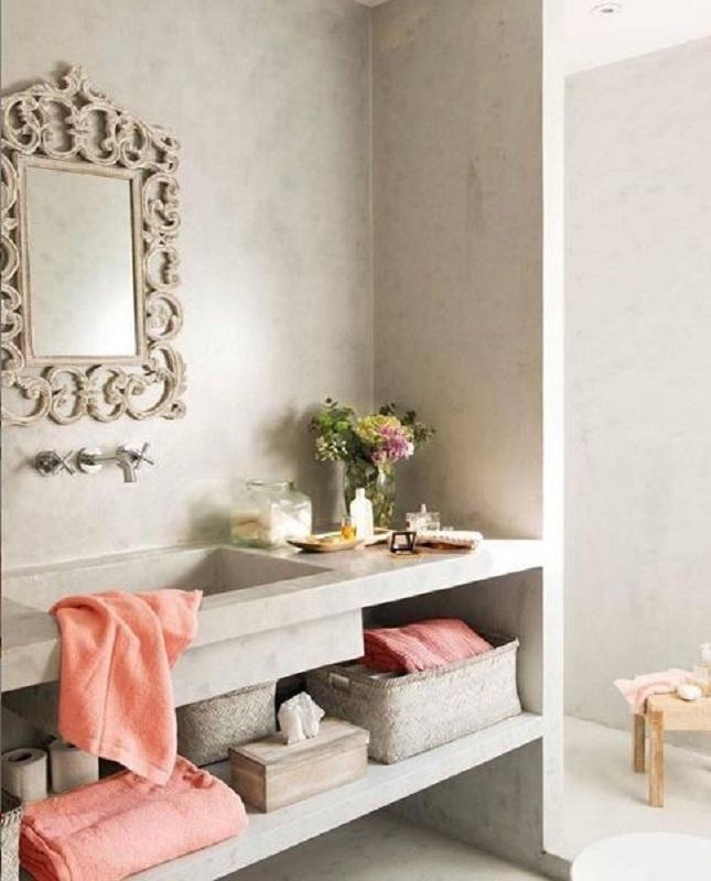 decoração clean para banheiro com espelho provençal Foto Pinterest