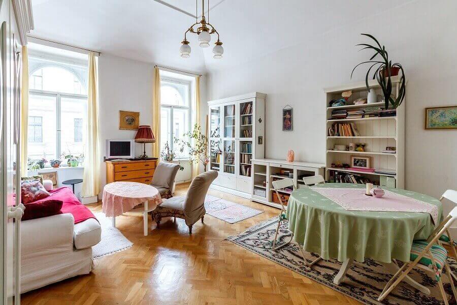 decoração com estilo romântico e clássico para salas integradas Foto Pexels