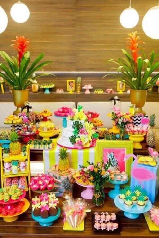 decoração de festa de aniversário havaiana Foto Eu amo decoração