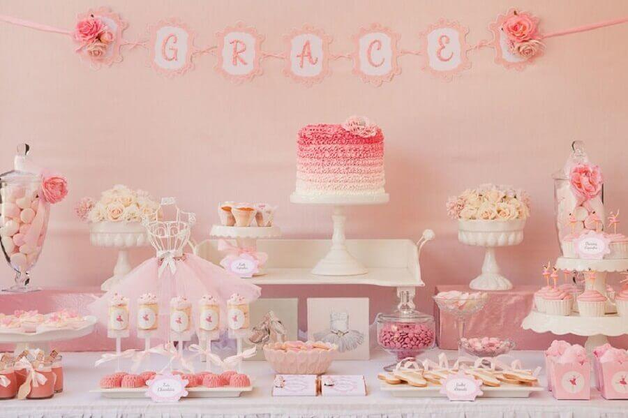 decoração delicada para mesa de festa bailarina Foto Pinosy