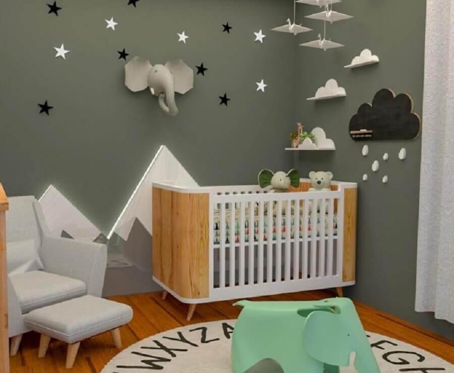 decoração lúdica com prateleira para quarto de bebê em formato de nuvem Foto Pinterest