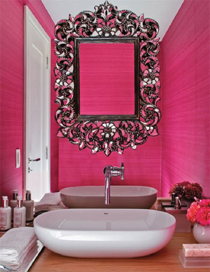 decoração para banheiro rosa com espelho provençal  Foto Eu Capricho
