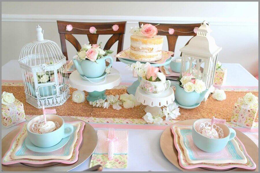 decoração para festa de aniversário com tema chá da tarde  Foto Fun365