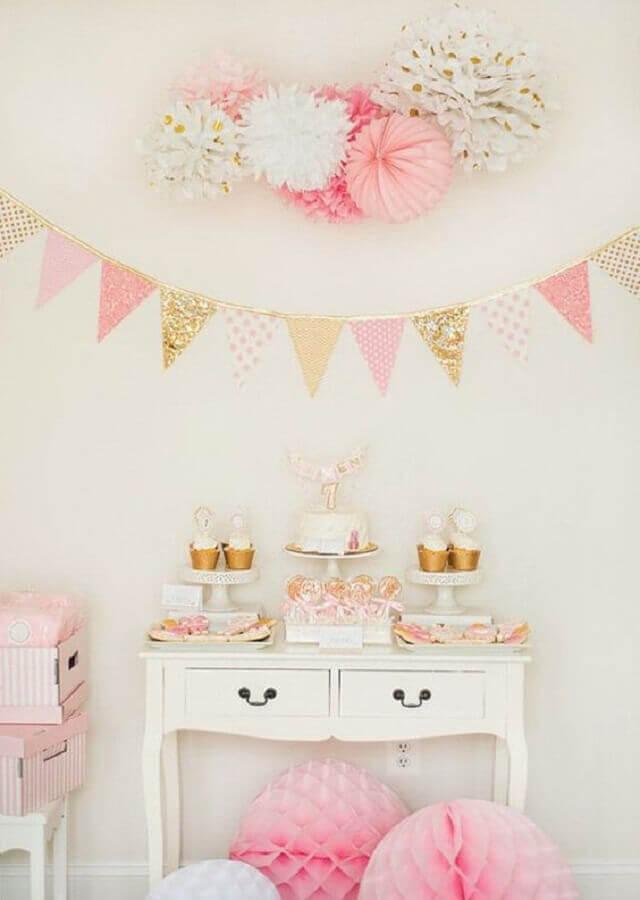 decoração para festa de aniversário simples em tons de rosa  Foto Etsy