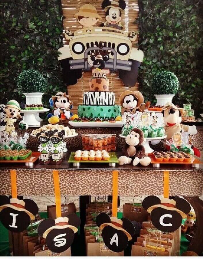 decoração para mesa de festa de aniversário do mickey no safári Foto Pinosy