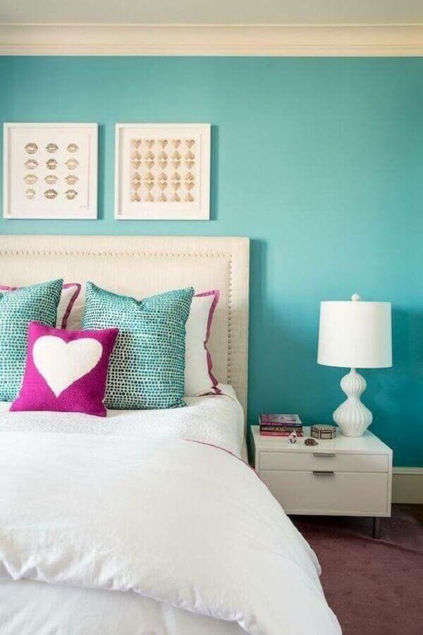 decoração para quarto azul tiffany com criado mudo e cabeceira branca Foto Reciclar e Decorar