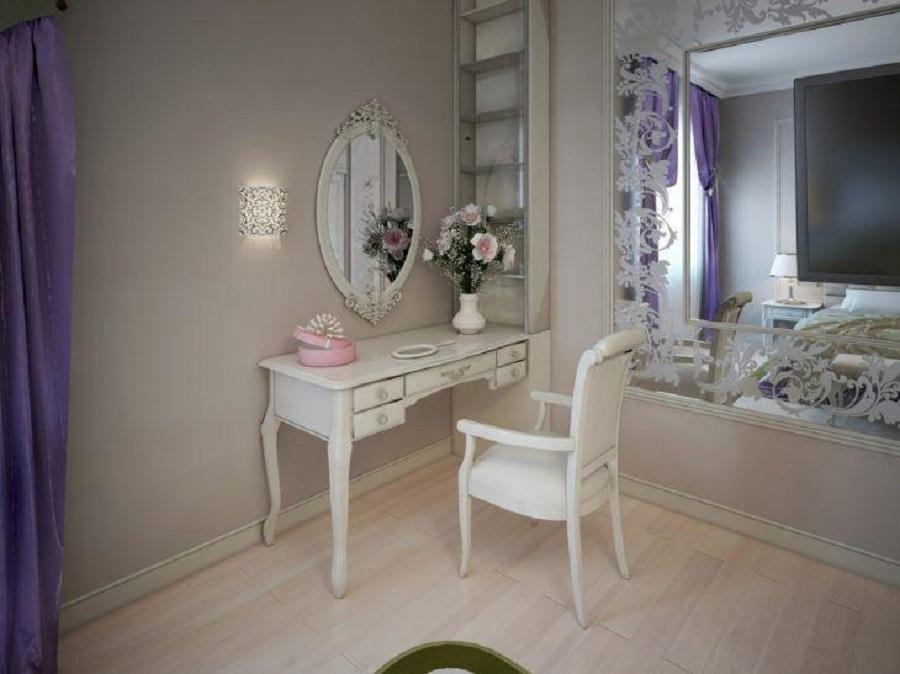 decoração para quarto com penteadeira e espelho provençal branco  Foto iStock