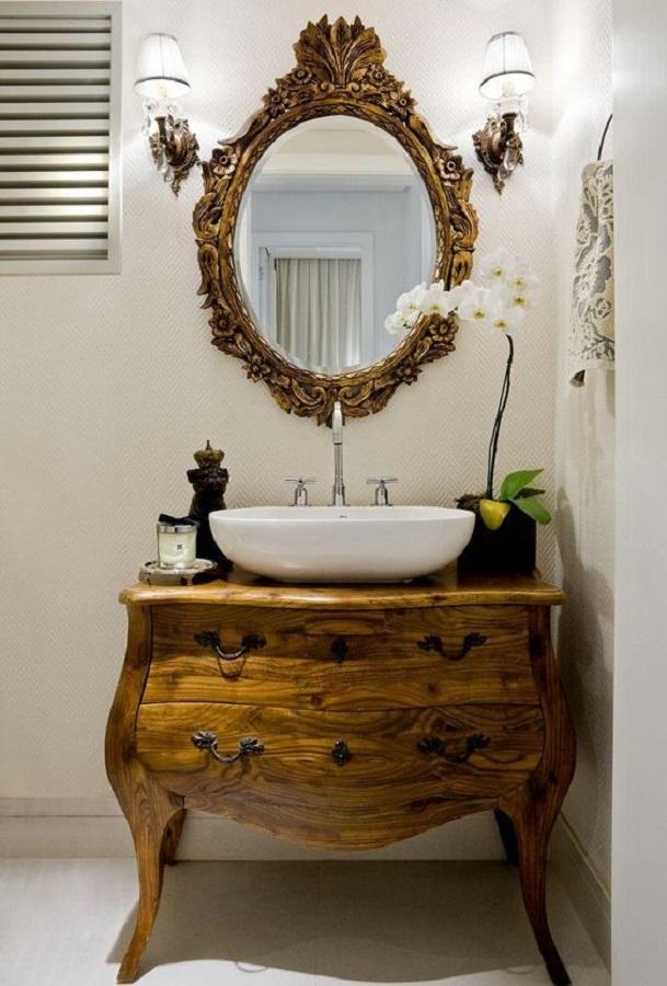 decoração rústica com espelho provençal  Foto Levitra Book