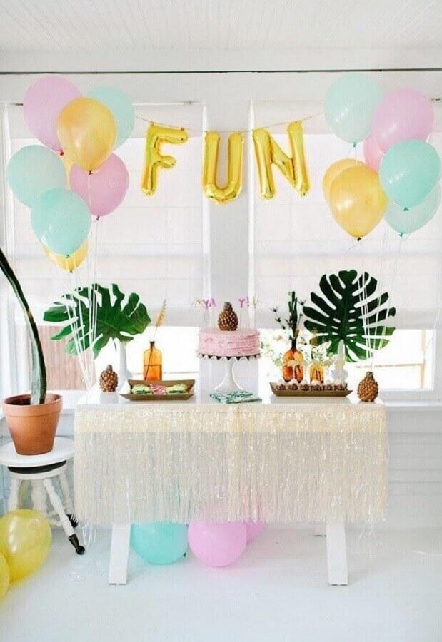 decoração simples para festa de aniversário havaiana  Foto Pinterest