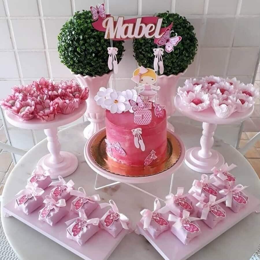 decoração simples para mesa de doces em festa infantil bailarina Foto Trakinando Festas