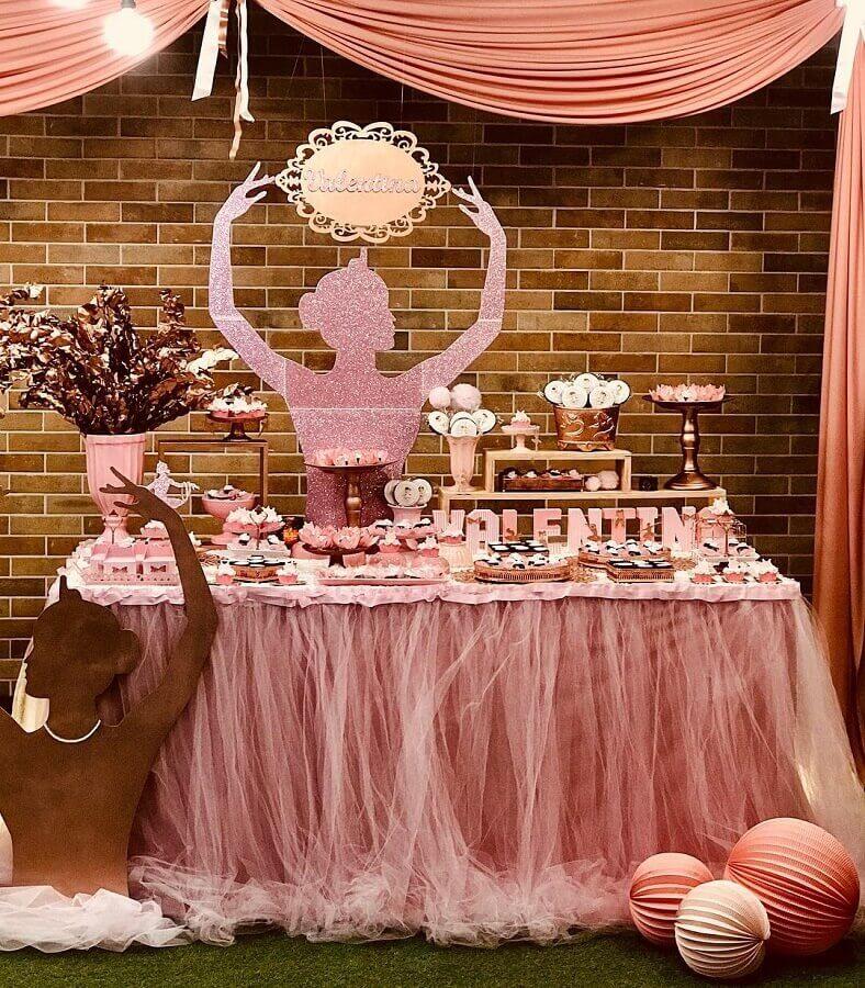 festa bailarina simples com decoração rústica Foto Chris Kessler