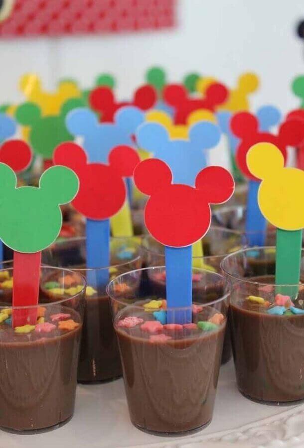 festa de aniversário do Mickey com brigadeiro de colher  Foto Pinterest
