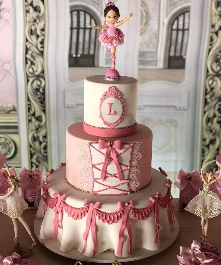 ideia divertida para bolo festa da bailarina Foto Gabriela Medeiros