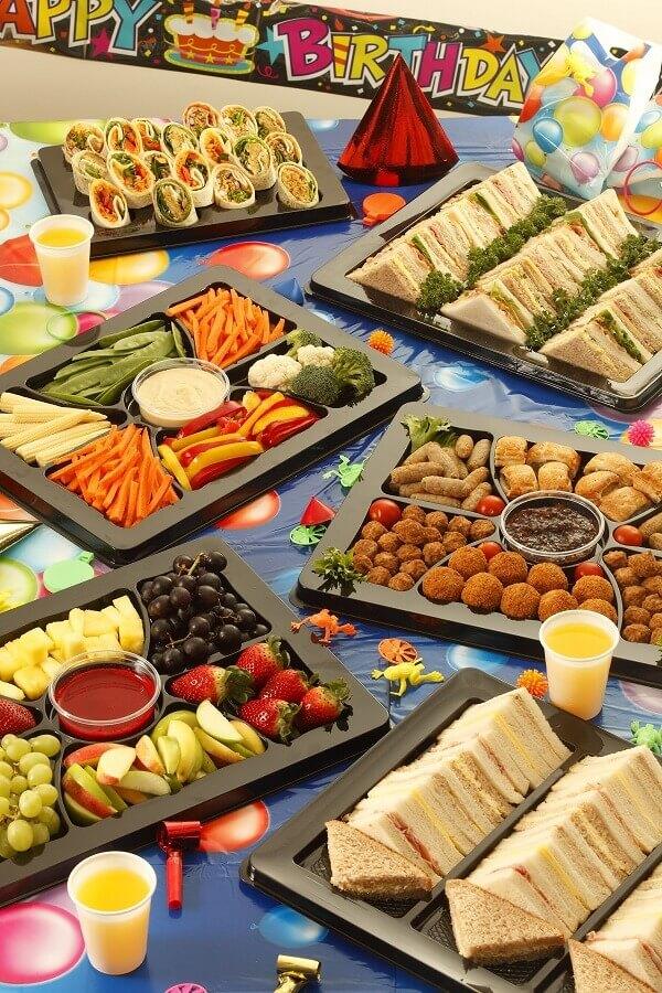 ideias de comidas para festa de aniversário  Foto Air Freshene