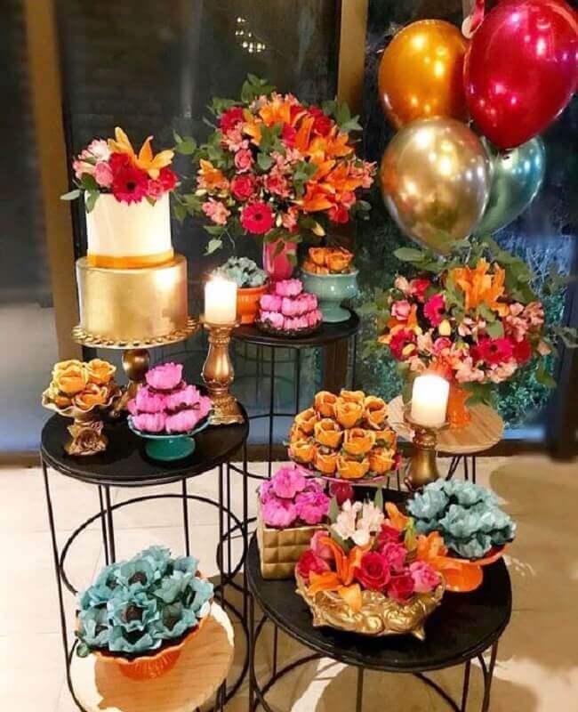 ideias para festa de aniversário com decoração colorida  Foto Event Couture