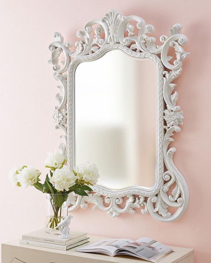 modelo de espelho provençal branco  Foto Neiman Marcus