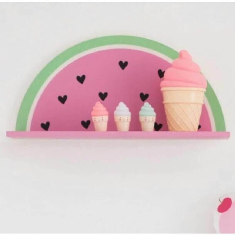 modelo diferente de prateleira para quarto de bebê Foto Pinterest