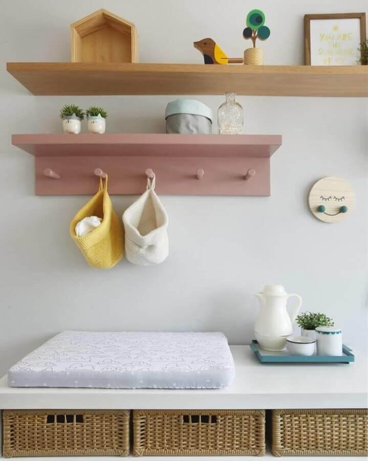 modelos diferentes de prateleira de madeira para quarto de bebê Foto Wood Save