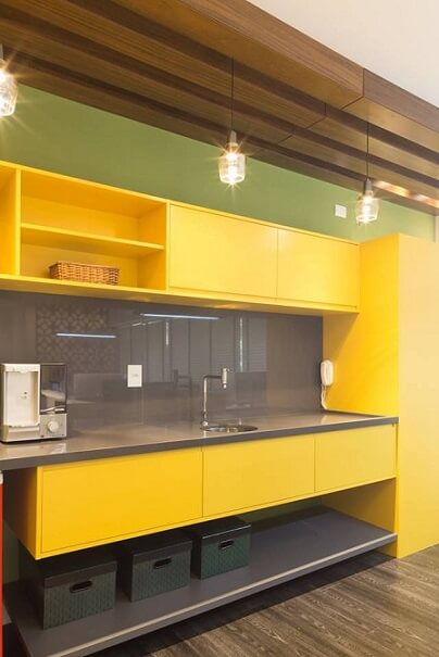 Combinação de cores amarelo e verde Projeto de Andrea Petini