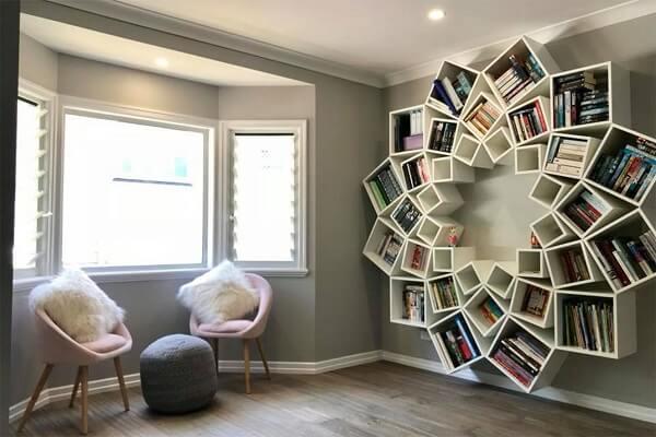 Estante de livro para quarto com design criativo