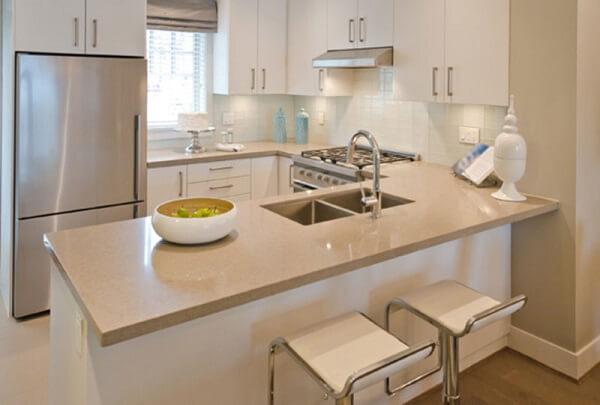 Pia de porcelanato cozinha clean
