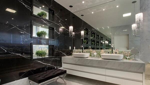 Pia de porcelanato para banheiro grande e sofisticado