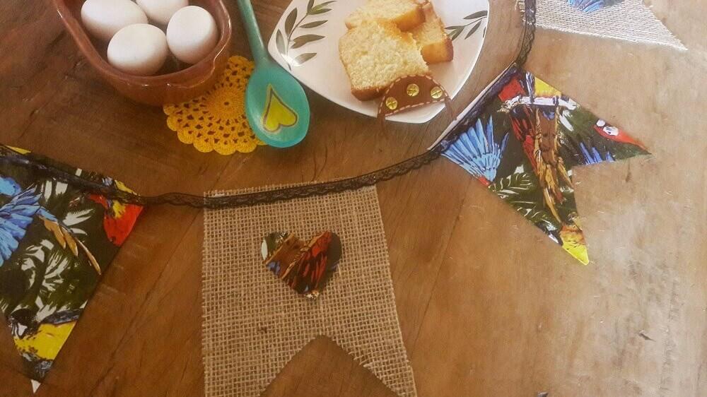 bandeirinhas de chita e linho para festa junina