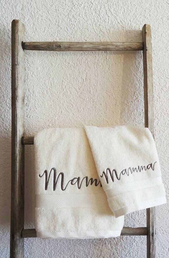bordados em toalhas escrito mamma Foto Pinterest