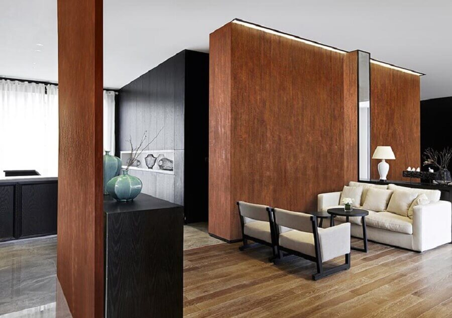 casa ampla e moderna decorada com parede de aço corten  Foto Colore & Hobby