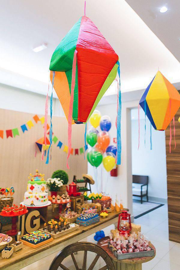 decoração de festa junina balão de pano